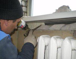 Как правильно запенивать пластиковые окна при монтаже